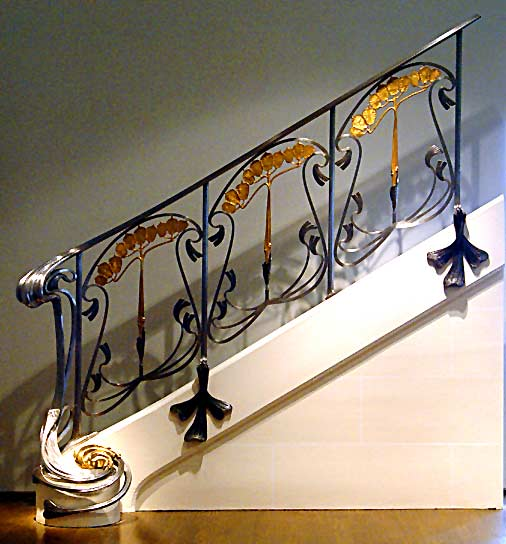 Louis Majorelle banisters with ginkgo leaf design (photo Cor Kwant)