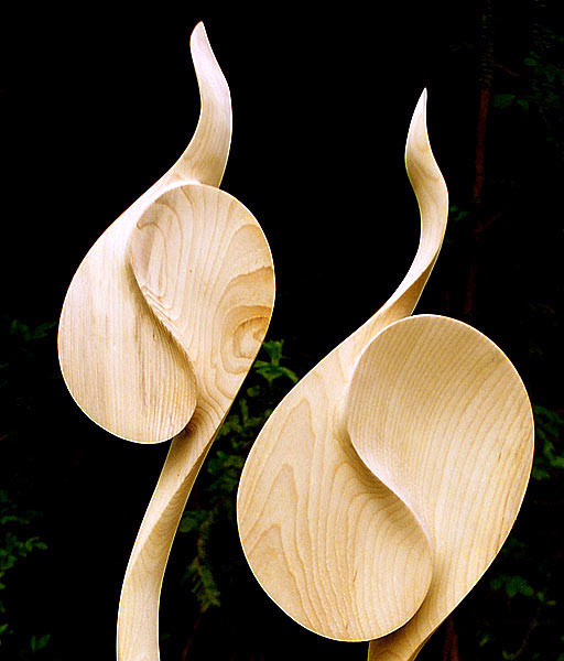 Ginkgo wood carving 'Levenslijn' (photo Will Schropp)